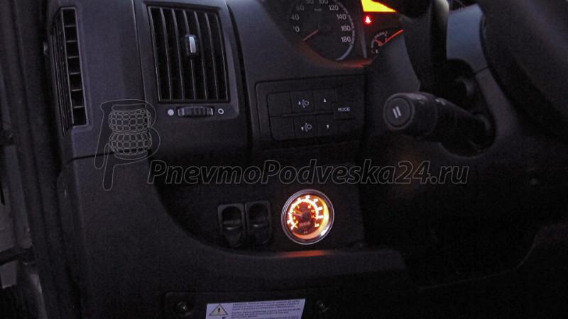 Манометр с подсветкой для автодома