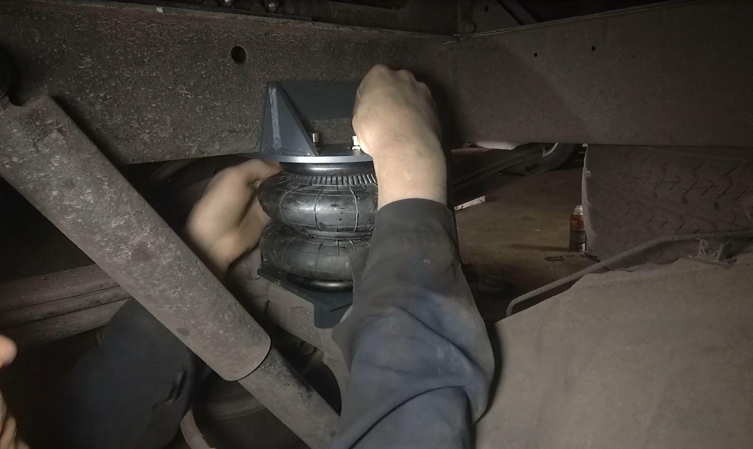 Монтаж пневмоподвески на Транзит Спарка грузовой